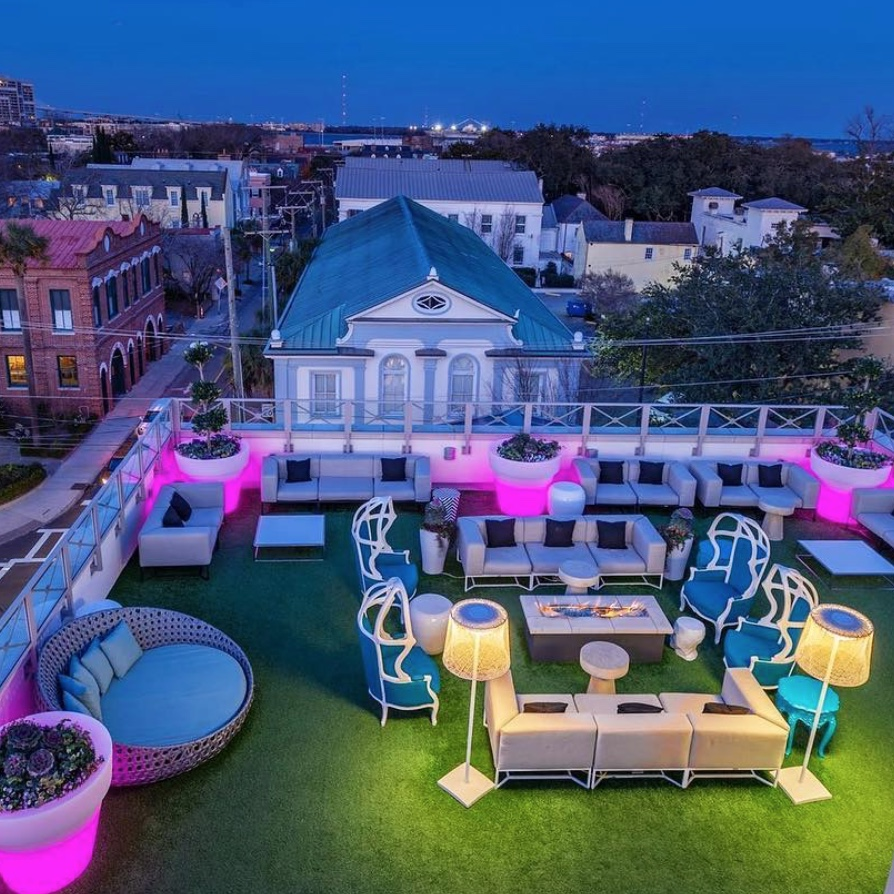 Élevé Rooftop Lounge in Charleston